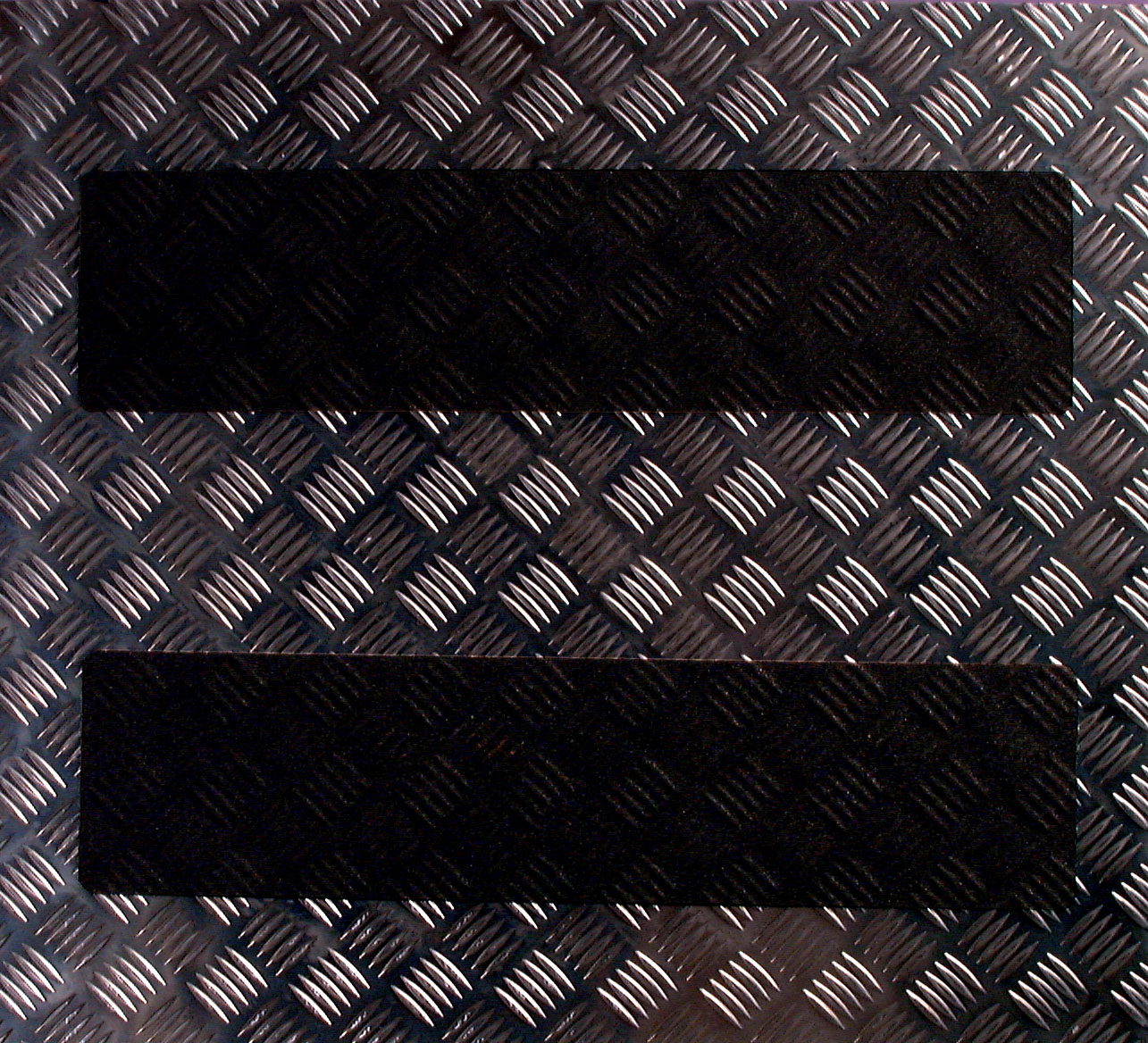 Felületre alakítható, alumínium csúszásgátló szalag. Fekete, sárga, fekete-sárga színekben!